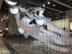 GINZA SIXのアート 塩田千春 6つの船